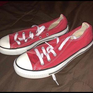 Women's Converse. Size 6. EUC